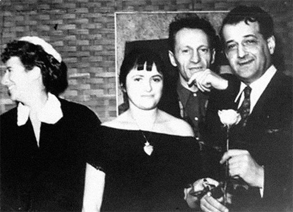 Ida Chagall, Dina Vierny, Charles Estienne et Serge Poliakoff en 1951