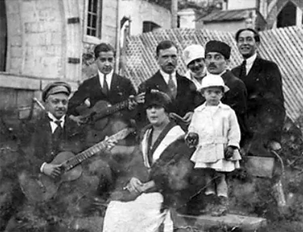 Dimistri, Serge, Nastia Poliakoff et le cousin Galitzine à Tiflis dans le Caucase en 1919